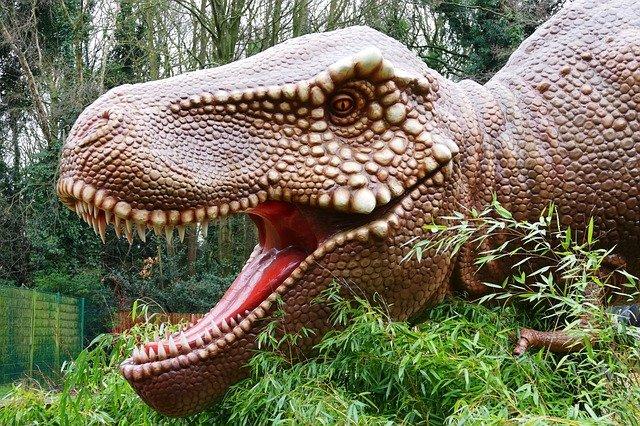 dinosaurus v parku