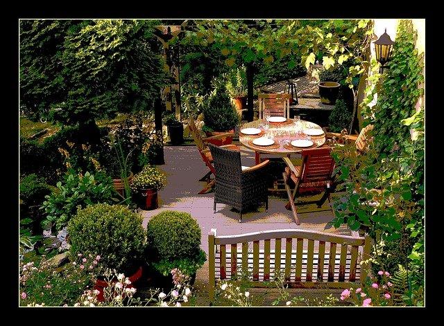 oběd v zahradě