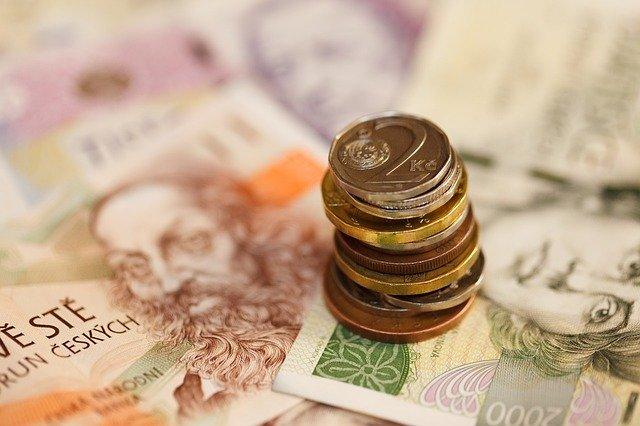 bankovky a mince Kč