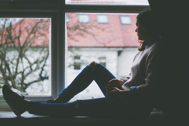 odpočinek u okna