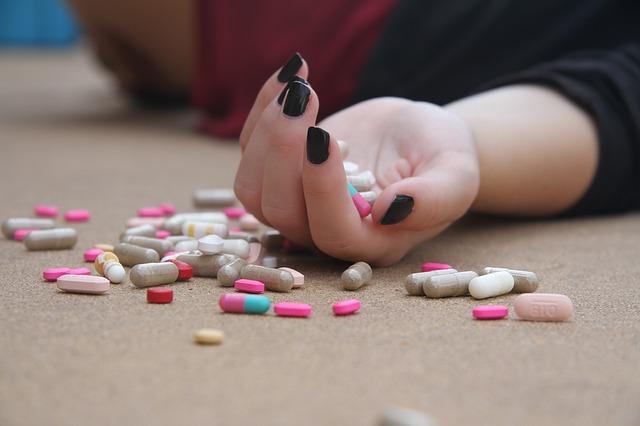 otrava léky