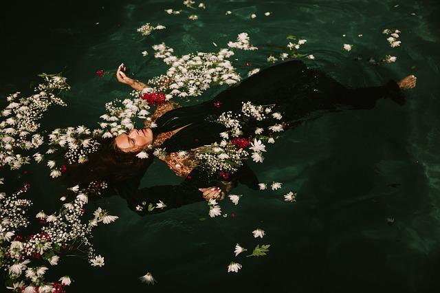 plavat v kytkách