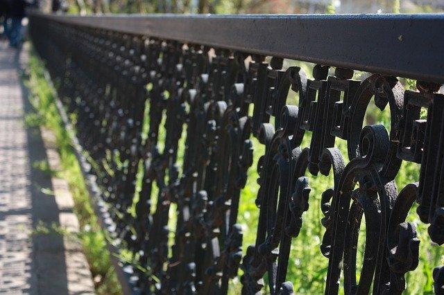 ocelový plot