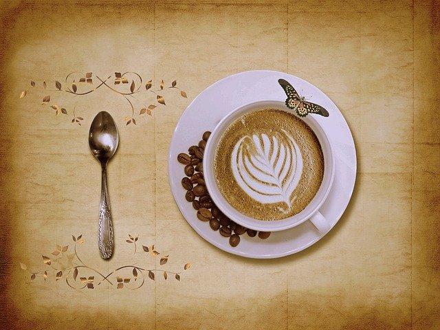 cappuccino s motýlkem.jpg