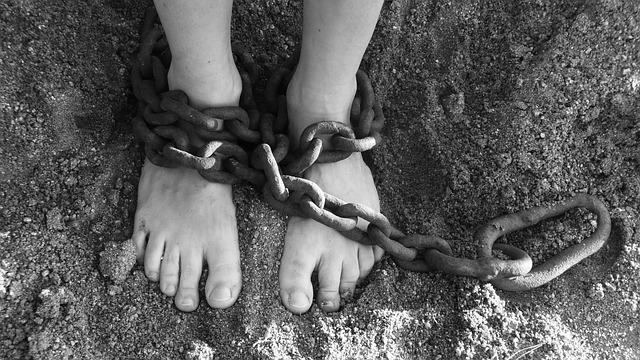 nohy v řetězech.jpg