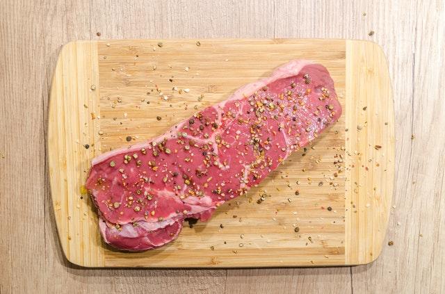 syrový hovězí steak.jpg