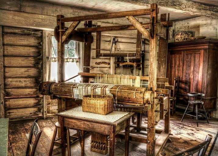 dřevěná podlaha starší interiér
