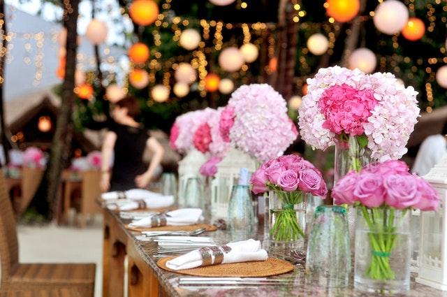 svatební tabule, květiny